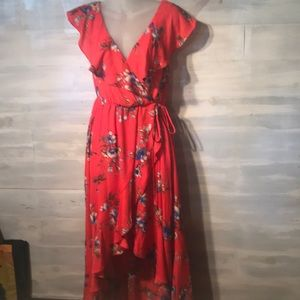 NWT SOPRANO Cora floral hi low dress size LARGE